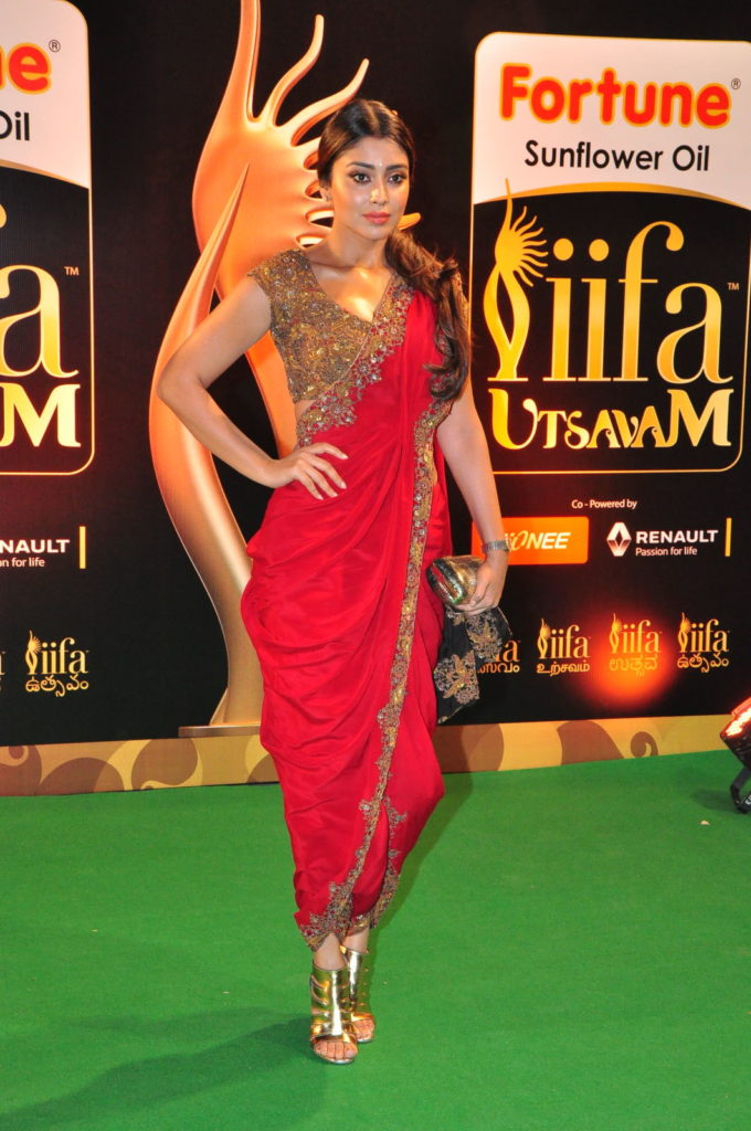 Shriya Saran Wear Red Dhoti Style Saree at Pics At IIFA Utsavam Awards 2016